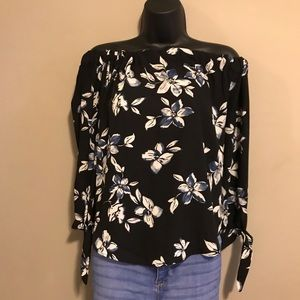 Black white floral long sleeve tie knot blouse
